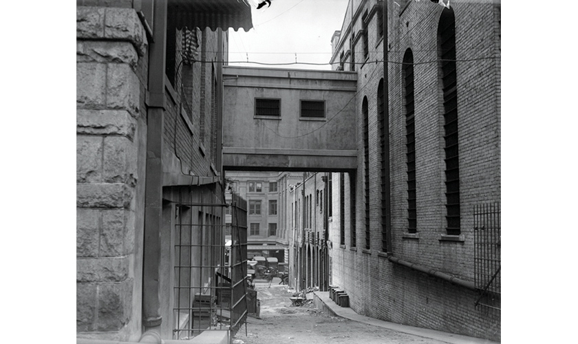 1921: Bridge of Sighs Connecting Old Hall of Justice and Jail