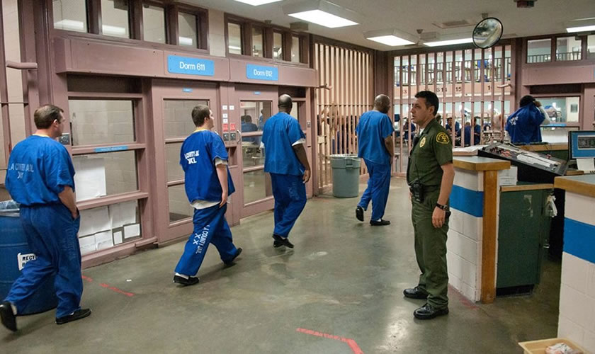 Supervising Inmates on the Move
